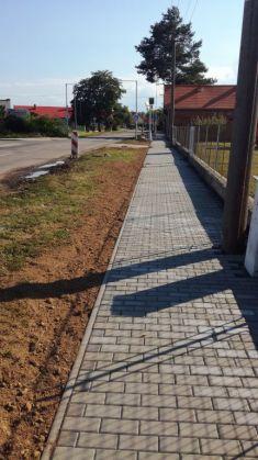 Rekonstrukce chodníku, Nepolisy